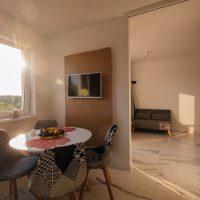 Apartament-mint-debina-kolo ustki-salon